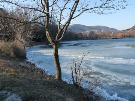 Lac du Turzon pris par les glaces